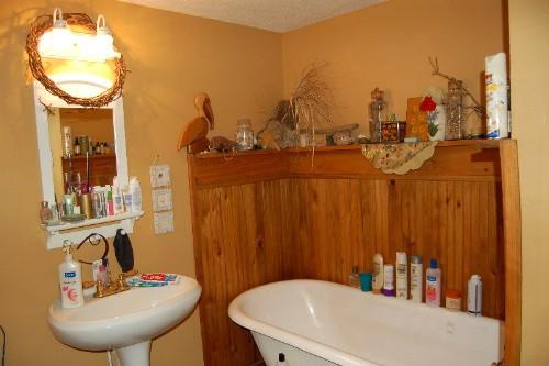 mybathroom.jpg