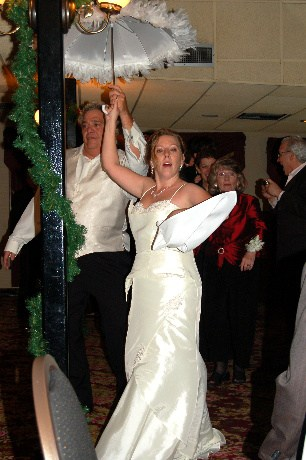 Second Line Dance No New Orleans Wedding