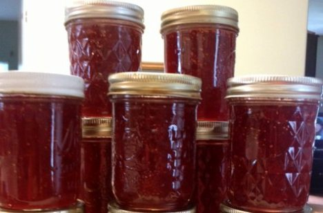 Mock Strawberry Preserves using Figs