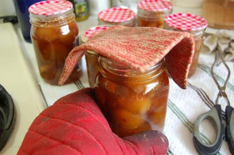 Sealing hot jars