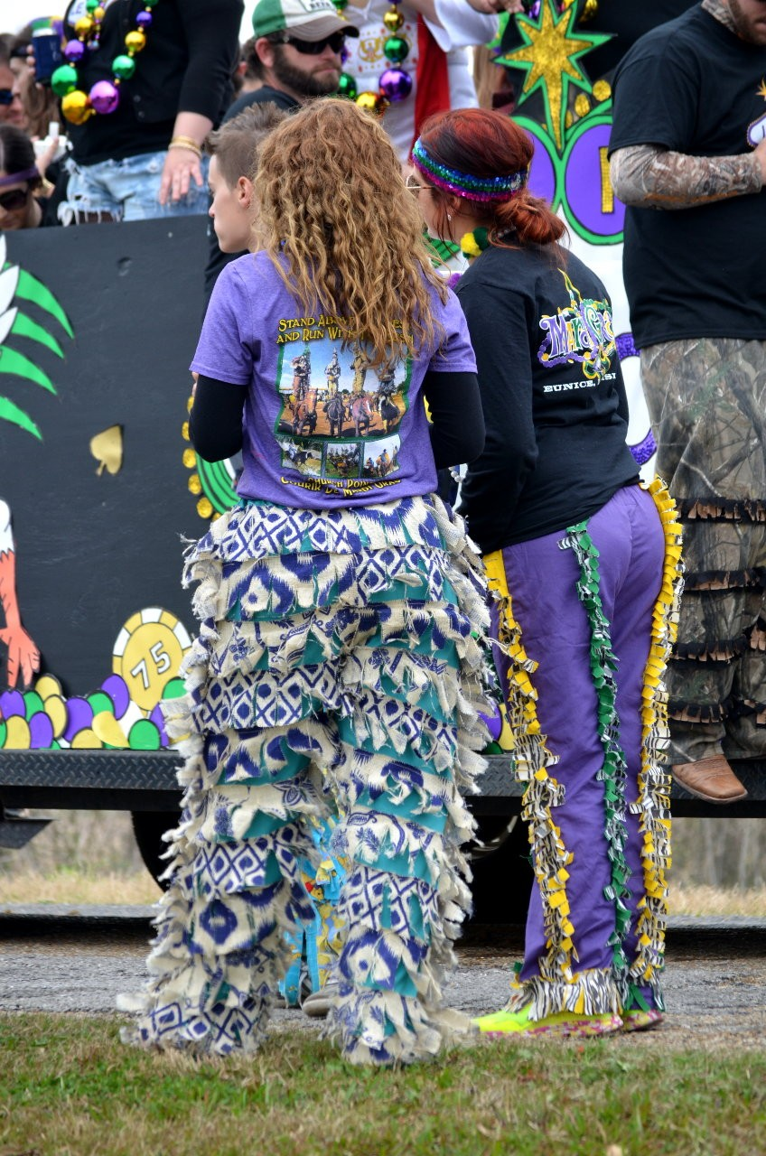 I love these pants!  Gonna try to get me some made like this for next year!